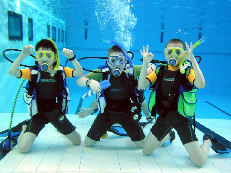 Kids Science Scuba Camp